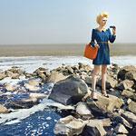 Sujet aus der Detox-My-Fashion-Kampagne von Greenpeace: Flüsse stellen für Färbereien die Entsorgungsstätte ihrer Abwässer dar